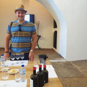 Olive Oil tasting in Evora at Adega da Cartuxa