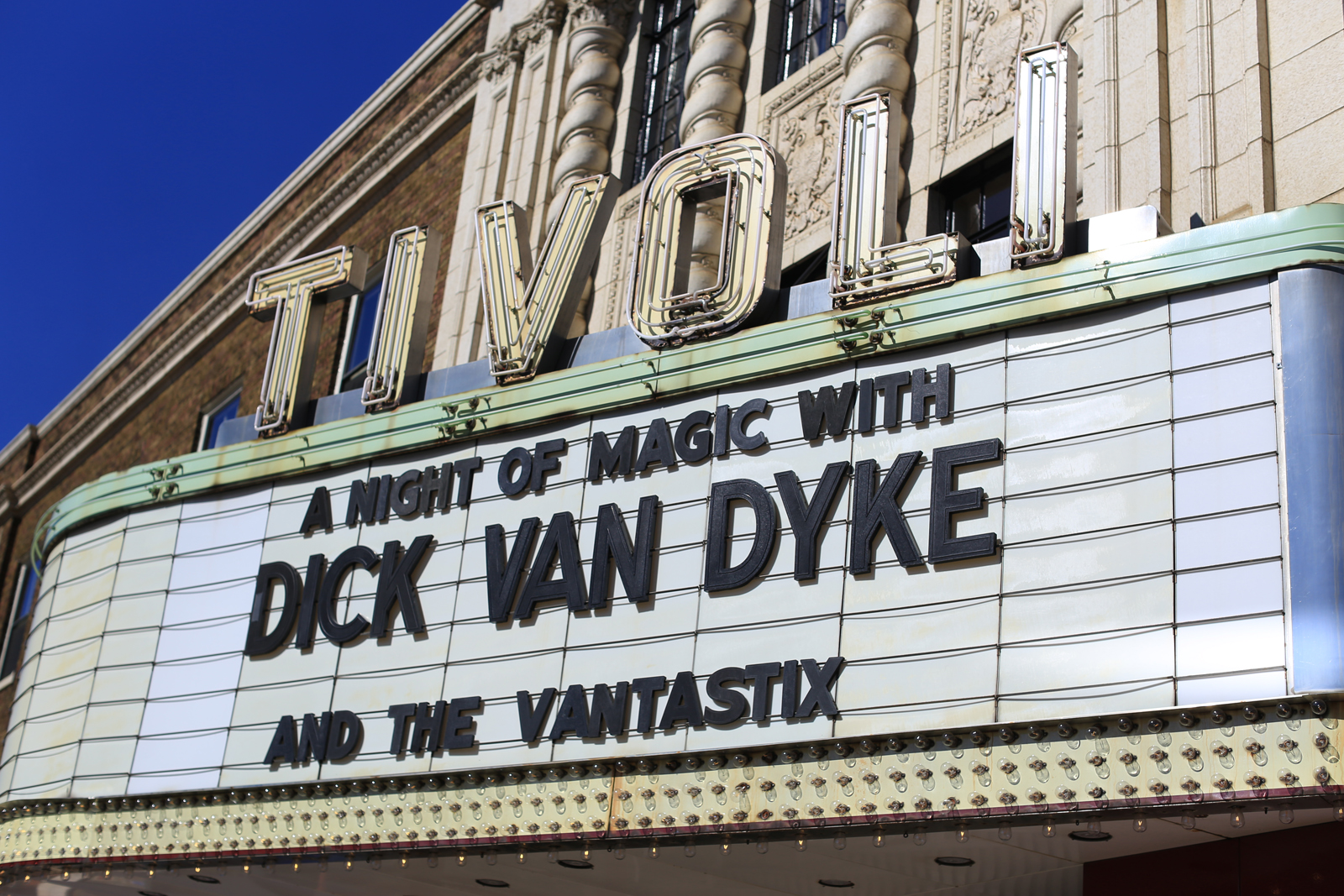 Tivoli Theatre In Downers Grove Il Day Of Magic With Dick Van Dyke The Walt Disney Birthplace