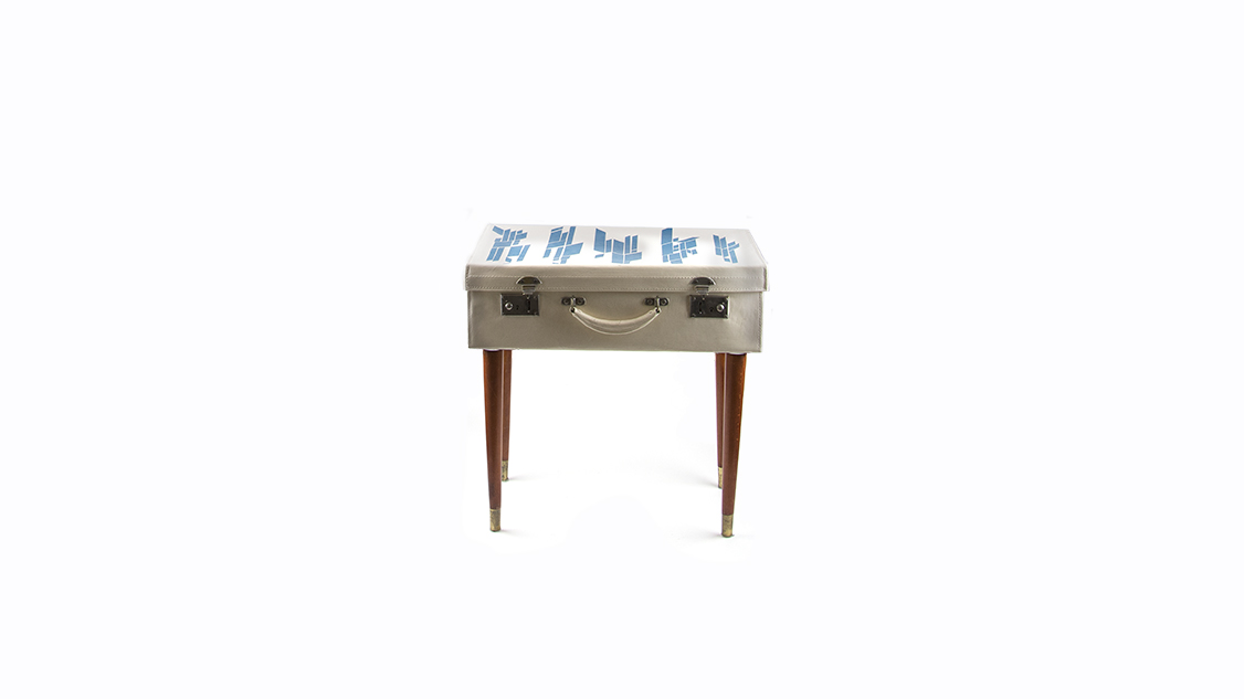 9-side-table