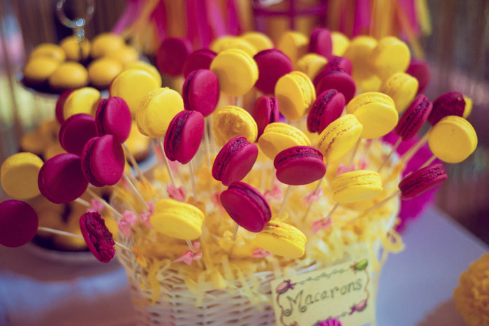 Pink and yellow wedding. Daren Chong Photography. Wedding planning by Chic Occasions. www.theweddingnotebook.com