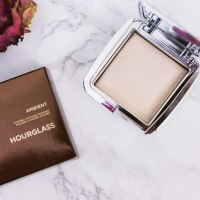 A Glowing Complexion - HOURGLASS Ambient Strobe Lighting Powder
