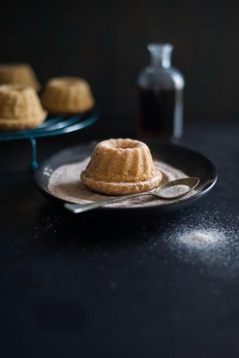 cinnamon sugar coated maple apple cakes