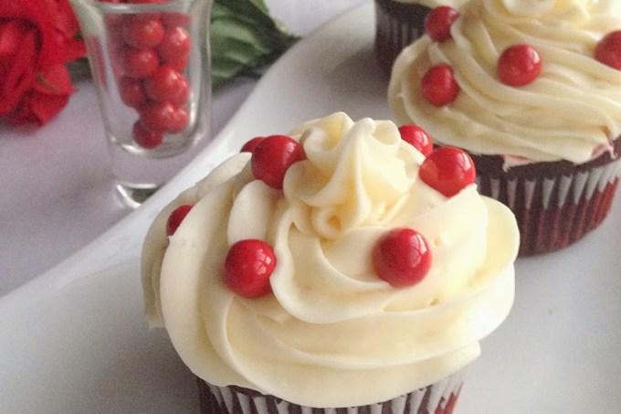 Red-Velvet-CupCakes-with-Sp