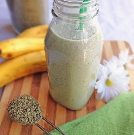 Protein-Smoothie-with-Bananas