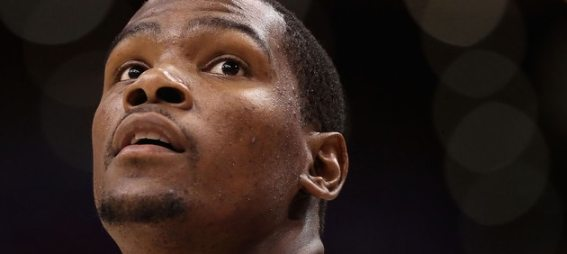 kevin-durant-okc-thunder-looking-up
