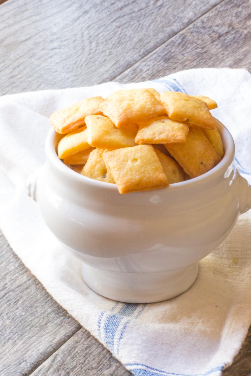Cheddar Einkorn Crackers