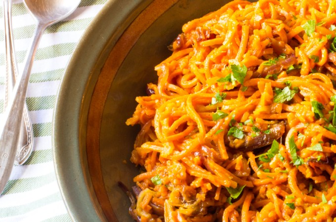 Spiralized Sweet Potatoes and Apples with Dates | #SundaySupper