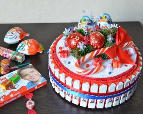 Торт для детей из конфет