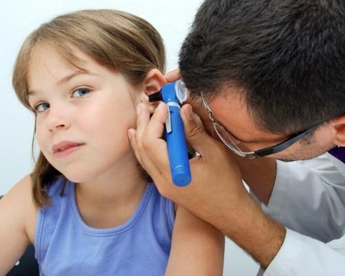 У ребенка стреляют уши что делать в домашних условиях 543