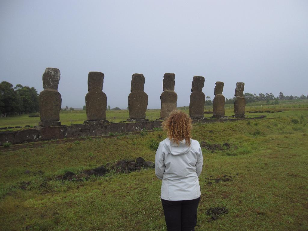 Ahu a Kivi - These seven Moai - Easter Island, Rapa Nui, Hanga Roa, Isla de Pascua, Chile, South America