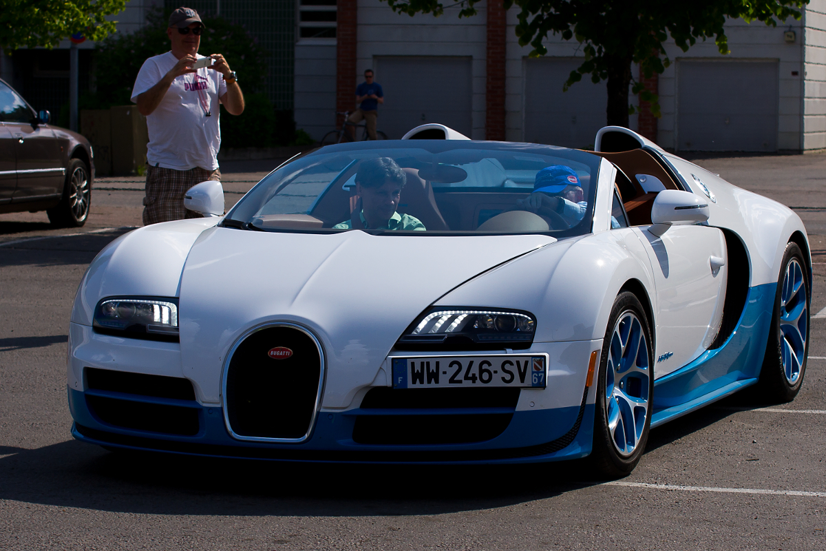 Devil 16 Car Wallpaper Bugatti Veyron Pictures And Wallpapers