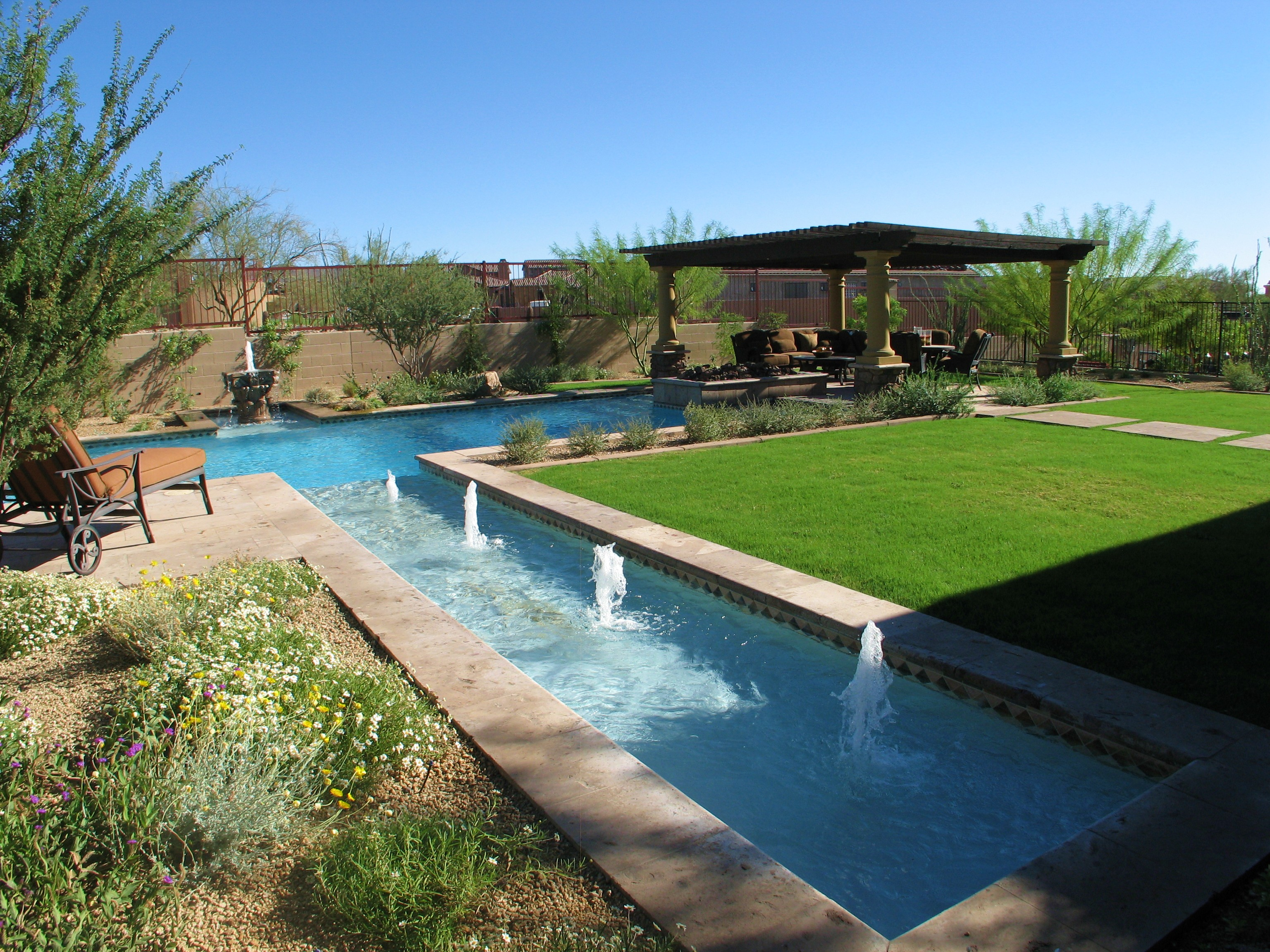 Zen Jacuzzi Pool With Exclusive Lounge 33 Jacuzzi Pools For Your Home
