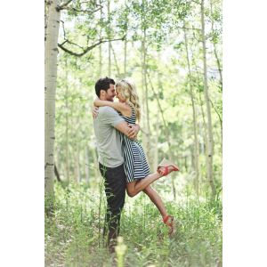 Pleasing And Original Engagement Ideas Yes Girls Original Engagement Ideas Yes Engagement Photo Outfits Engagement Photo Outfits Winter