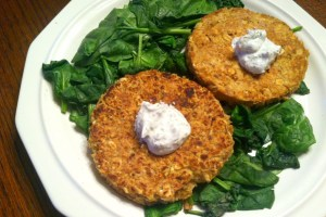 Tuna Cakes with Greek Yogurt Dill Sauce