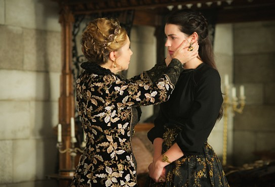 """Reign -- """"Bruises That Lie"""" -- Image Number: RE310a_0120.jpg -- Pictured (L-R): Megan Follows as Catherine de Medici and Adelaide Kane as Mary, Queen of Scots -- Photo: Sven Frenzel/The CW -- © 2016 The CW Network, LLC. All rights reserved."""