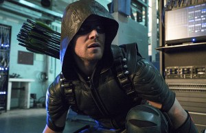 "Arrow -- ""Unchained"" -- Image AR412A_0036b.jpg -- Pictured (L-R): Stephen Amell as Green Arrow -- Photo: Liane Hentscher/ The CW -- © 2016 The CW Network, LLC. All Rights Reserved"