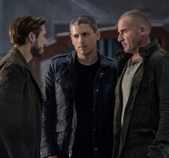 """DC's Legends of Tomorrow -- """"Blood Ties"""" -- Image LGN103A_0160b.jpg -- Pictured (L-R): Arthur Darvill as Rip Hunter, Wentworth Miller as Leonard Snart/Captain Cold and Dominic Purcell as Mick Rory/Heat Wave -- Photo: Cate Cameron/The CW -- © 2016 The CW Network, LLC. All Rights Reserved."""