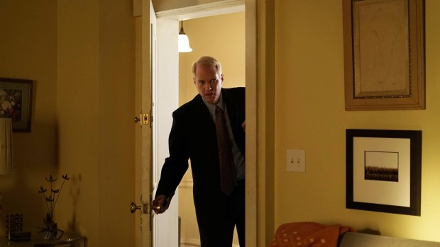 "THE AMERICANS -- ""Chloramphenicol"" Episode 404 (Airs, Wednesday, April 6 30, 10:00 pm/ep) -- Pictured: Noah Emmerich as Stan Beeman. CR: Nicole Rivelli/FX"