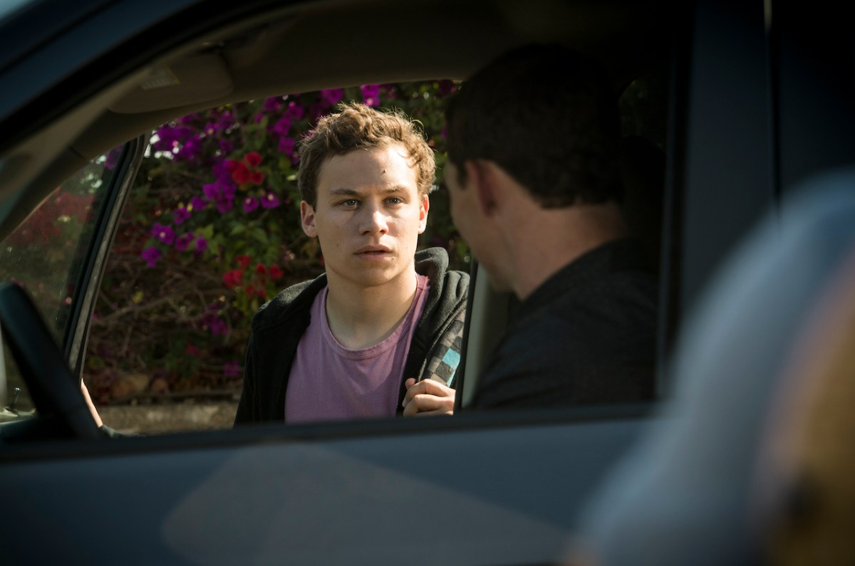 "TV Review: 'Animal Kingdom' (1x8) ""Man In"""