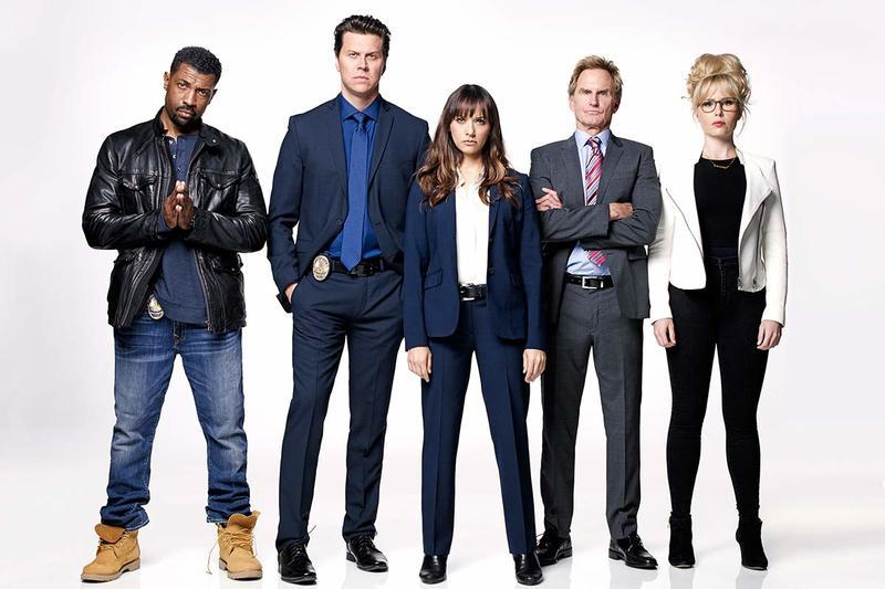"TV Review: Angie Tribeca (2x08) ""The Coast is Fear"""