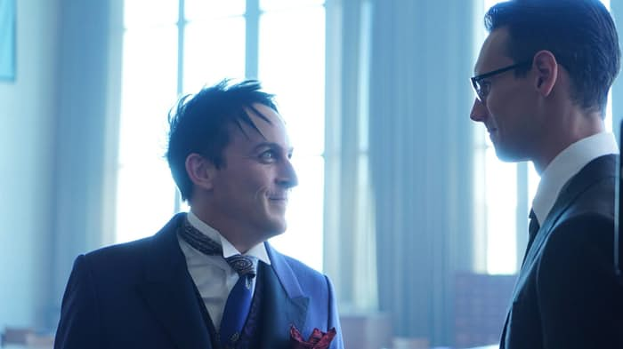 "TV Review: Gotham 3x06 ""Follow the White Rabbit"""