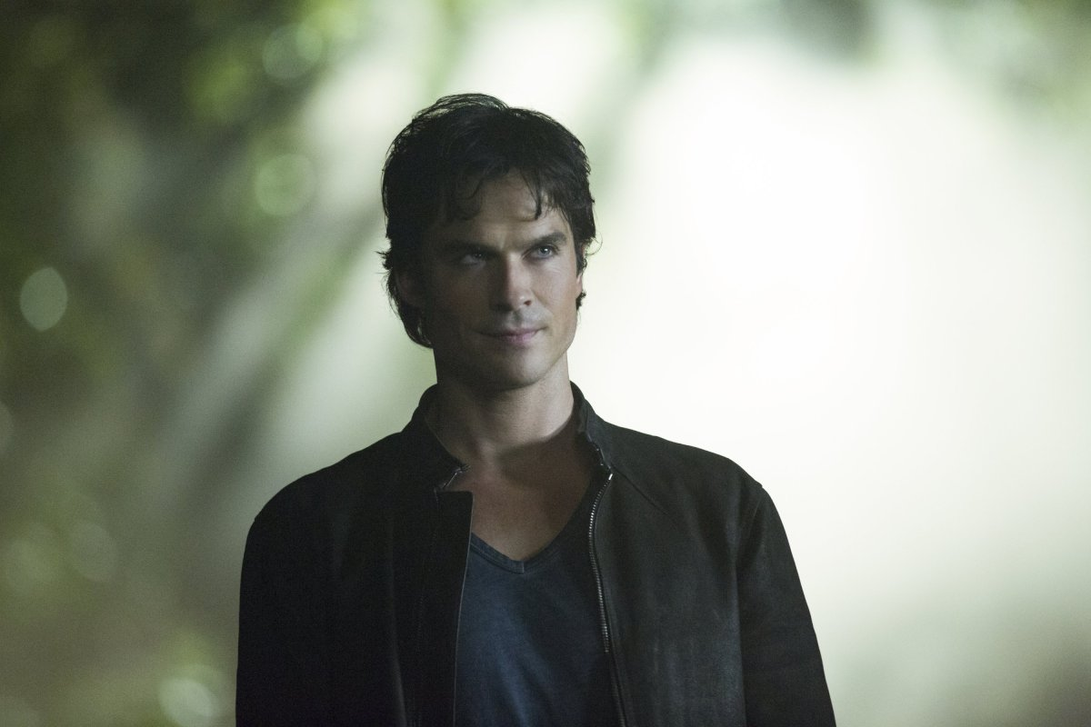 "TV Review: The Vampire Diaries 8x01 ""Hello, Brother"""