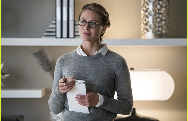 supergirl-welcome-to-earth-photos-01