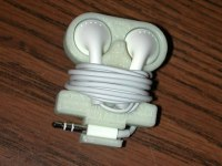 Apple Earbud Holder by HPaul - Thingiverse