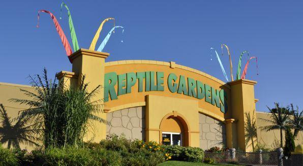 reptile gardens south dakota things to do. Black Bedroom Furniture Sets. Home Design Ideas