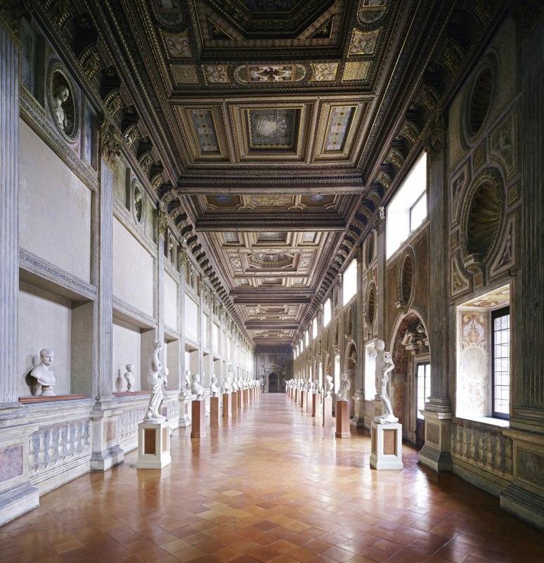 Candida Höfer Palazzo Ducale Mantova V 2011
