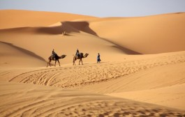 Morocco – Sunset and Dawn in the Sahara Desert