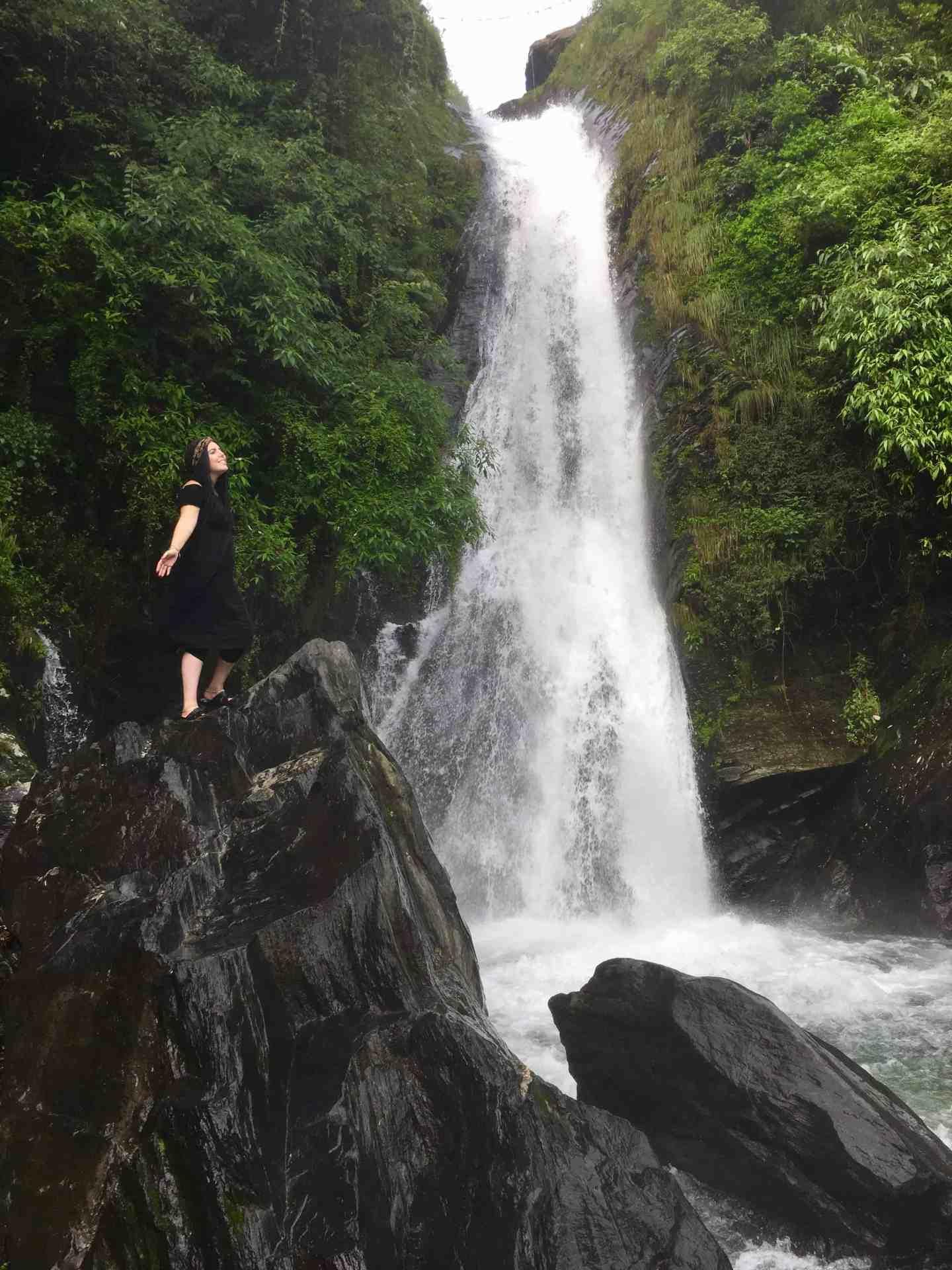 bhagsu waterfall dharamsala