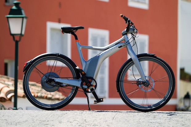 SMART Ebike und SL 63 AMG Fahrprsentation in St Tropez