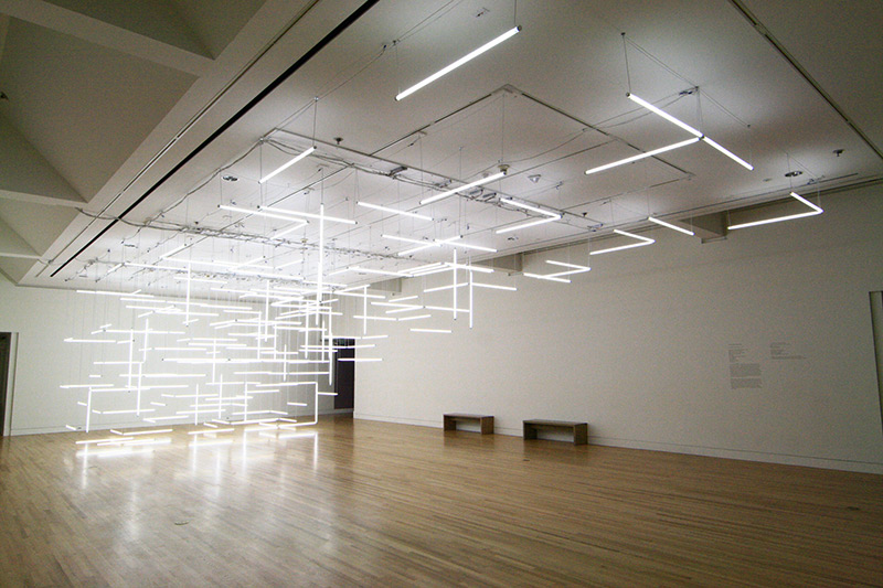Grow Beleuchtung Led A Geometric Labyrinth Of 200 Fluorescent Lights At Frye