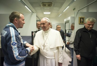Pope_Francis_secret_stop_homeless_EWTN_size