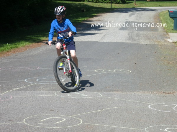 using a bicycle to spell sidewalk sight words