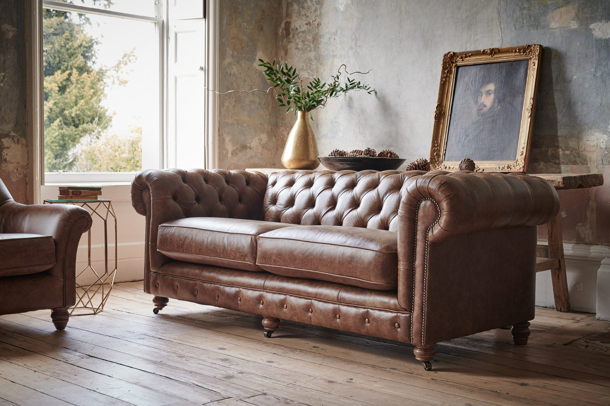 Chesterfield Leather Sofa Sale Handmade Leather Chesterfield Sofas With Up To 25 Off Thomas Lloyd