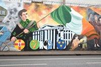 Belfast Wall Murals: Belfast Black Taxi Political History Tour