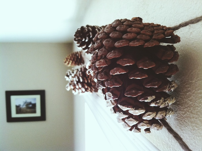 Metallic Tipped Pine Cone Garland // thoughtsbynatalie.com