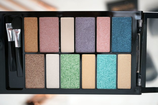 makeup-revolution-beach-and-surf-palette