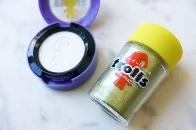 mac-good-luck-trolls-pigment-and-eyeshadow