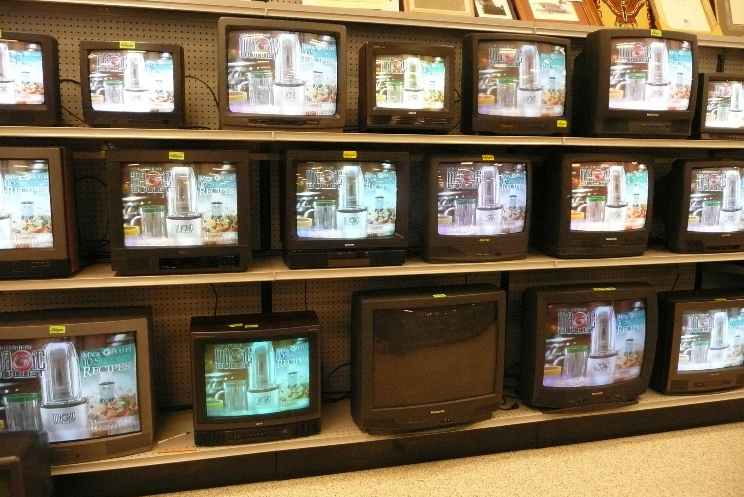 Tv Store Thrifting For Electronics At Goodwill