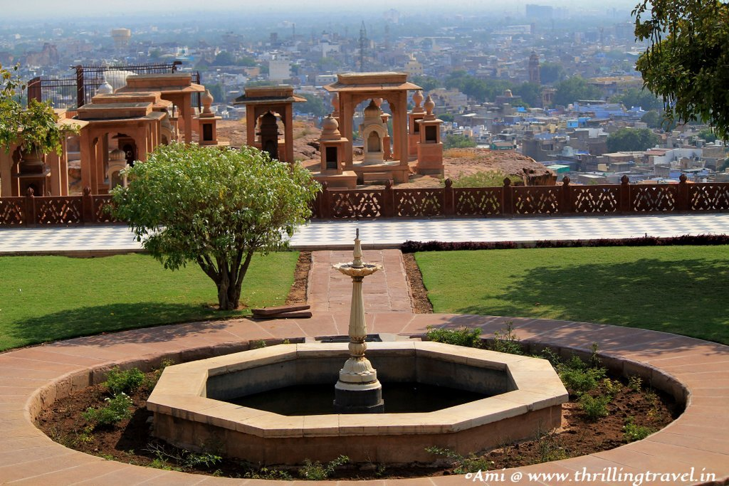 The Royal Crematorium in the backdrop - Jaswant Thada