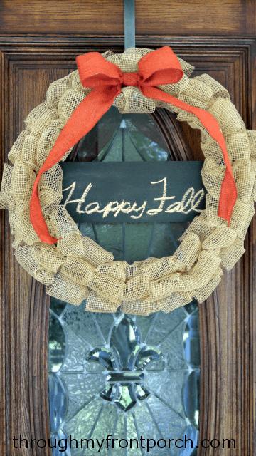burlap-wreath-chalkboard