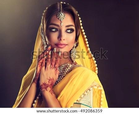 Muslim Girl Eyes Wallpapers Portrait Beautiful Indian Girl Young Hindu Stock Photo