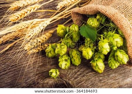 Black Wood Grain Wallpaper Hops Stock Photos Images Amp Pictures Shutterstock
