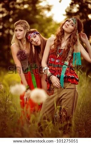 Dreads Girl Wallpaper Beautiful Girls Of Hippie In The Field Stock Photo