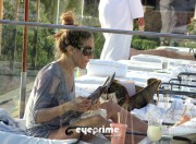 f2afb9128442580 Sarah Jessica Parker in a Bikini chillin at a Spa Resort