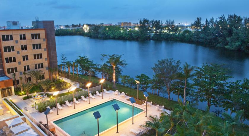 Luxus Outdoor Pool The 9 Best Miami Airport Hotels