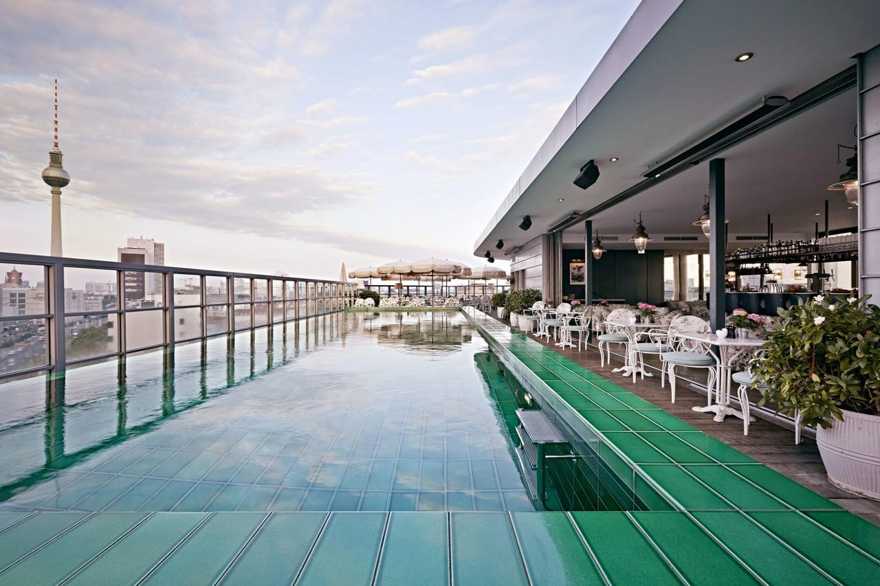 Swimmingpool Berlin The Secrets Of Soho House Berlin Lessons In Colorful Real Estate